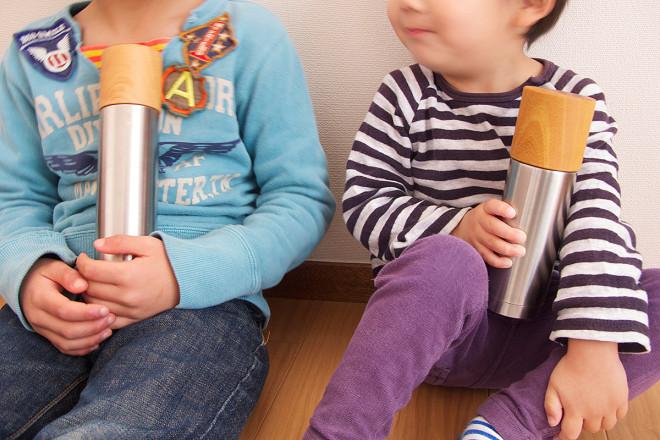 水筒子供二人