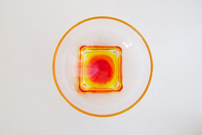 グラデーションカップオレンジ上