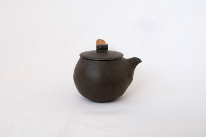 黒釉急須(丸)06